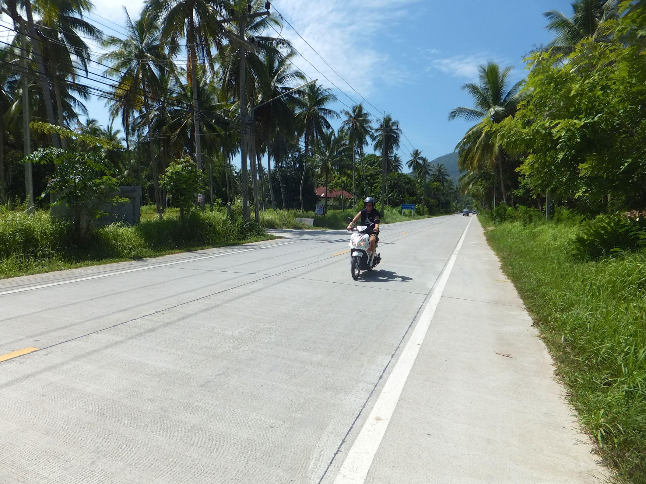 Mit dem Scooter über die Insel