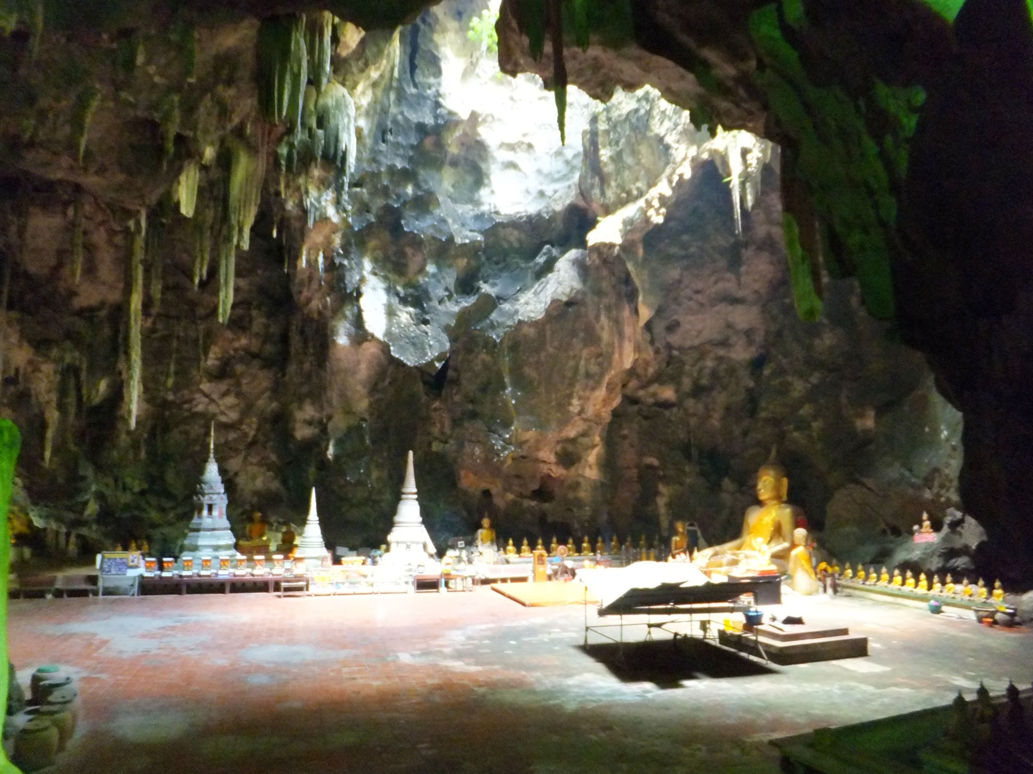 Die Khan Luang Caves