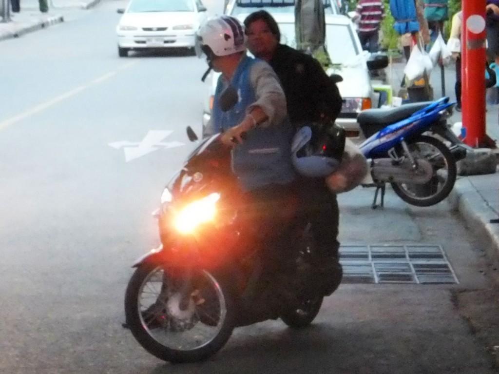 Das Motorrad-Taxi | Verkehrsmittel Bangkok