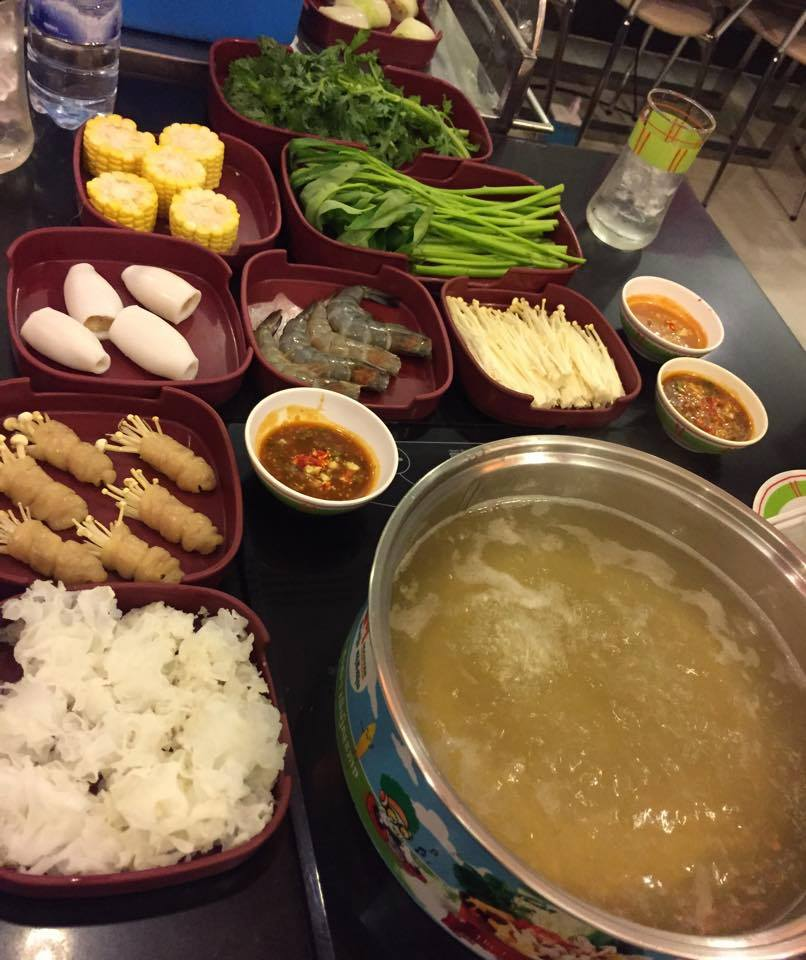 Hot Pot bei Master Suki Soup in Phnom Penh