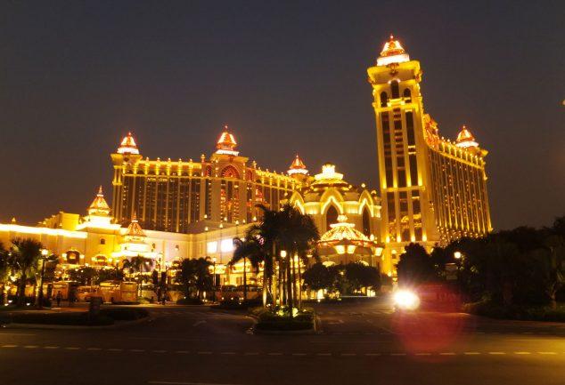 Bei Nacht ist Macau wunderbar illuminiert