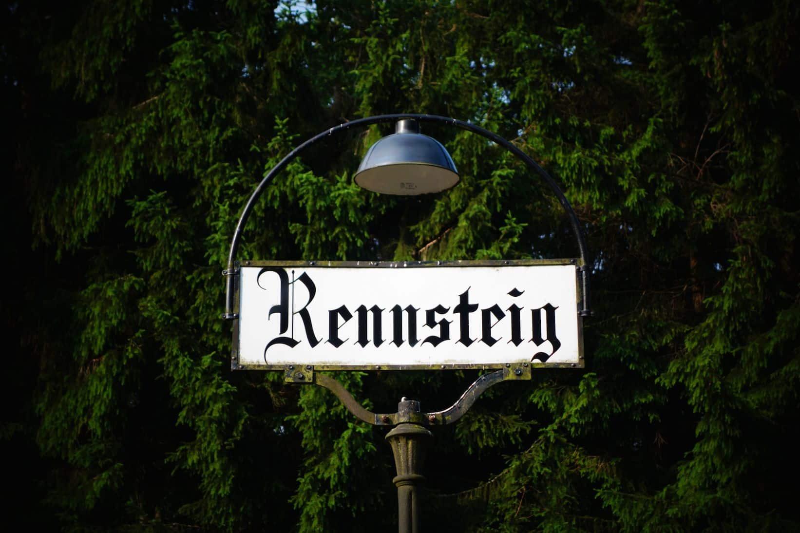 """Rennsteig Etappe – Steinbach am Wald – Neuhaus am Rennweg – Masserberg<span class=""""badge-status"""" style=""""background:#8daa52"""">Werbung</span>"""