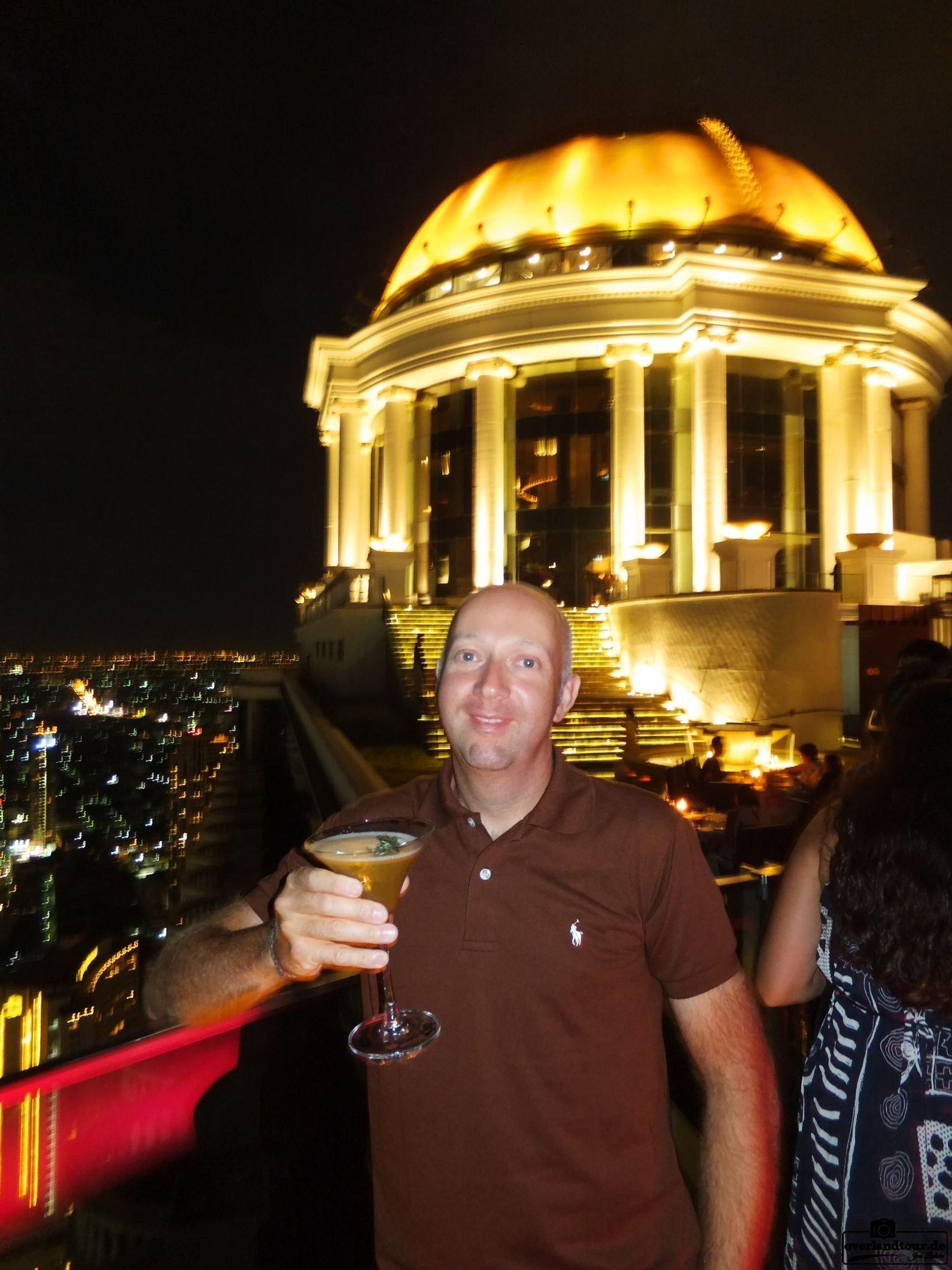 Abends in die Skybar – Über Bangkok Himmel