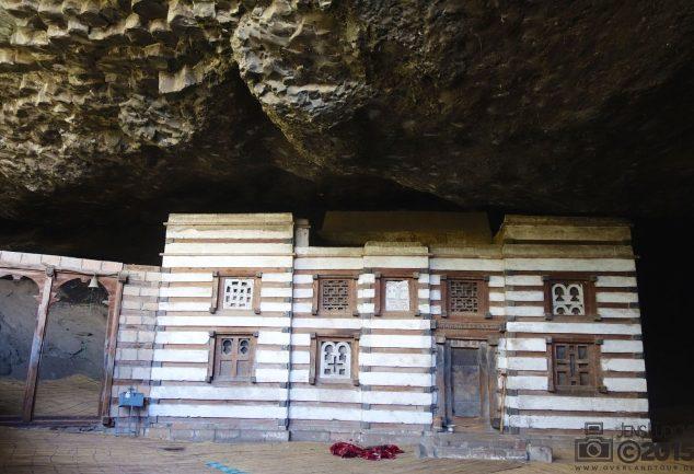 Die Höhlenkirche von St. Yimrhane Kirstos