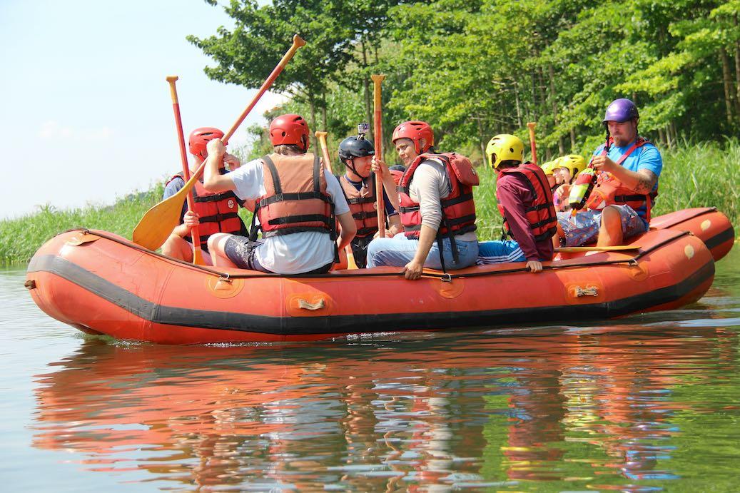 Jetzt geht´s los zum Nile River Explorers Rafting