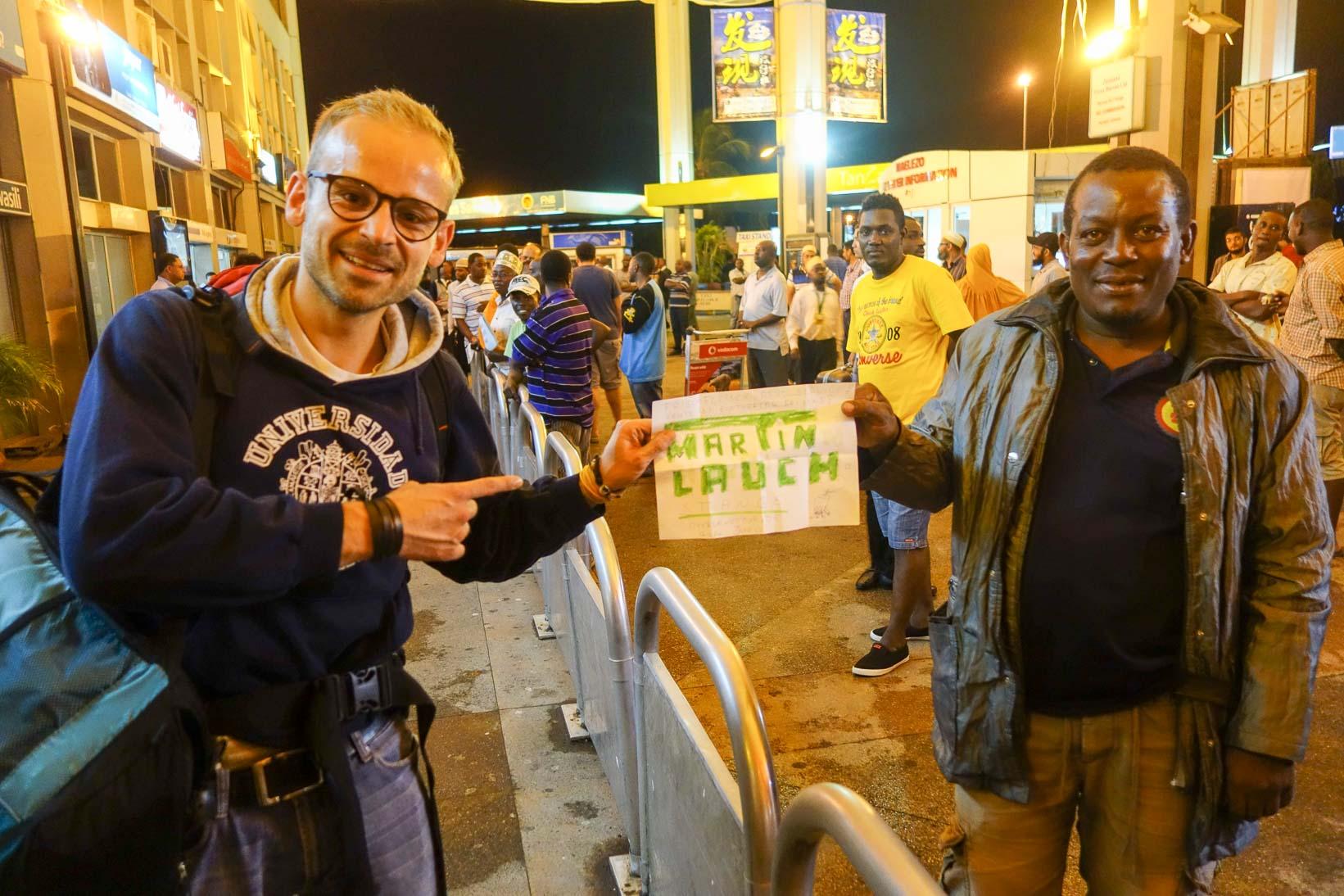 Suche Martin Lauch for Suppe(R)! | Airport Dar es Salaam - Tansania