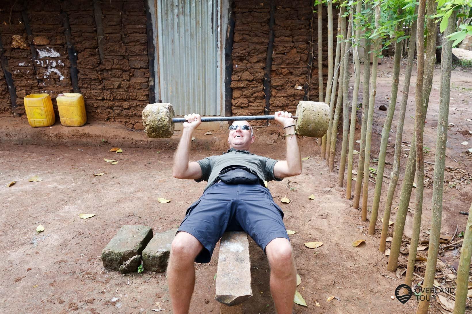 Jens in der Mukibude auf Sansibar