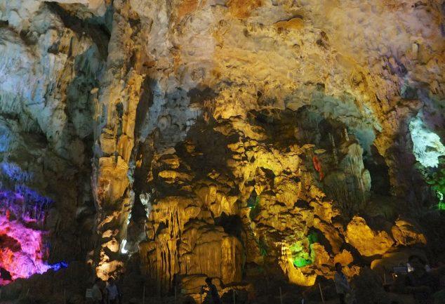 Die illuminierte Höhle
