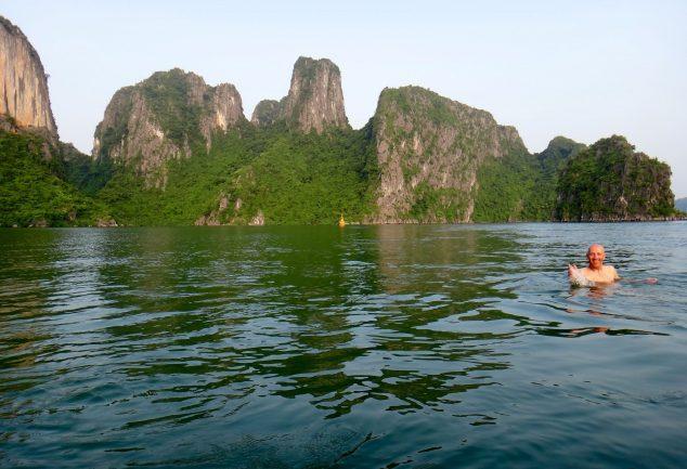 ha_long_bay_vietnam_038