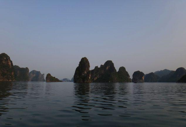 ha_long_bay_vietnam_040