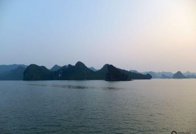 ha_long_bay_vietnam_045