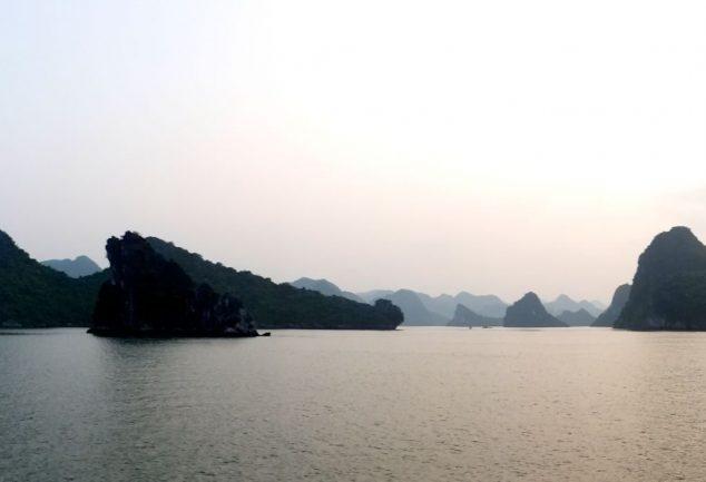 ha_long_bay_vietnam_046