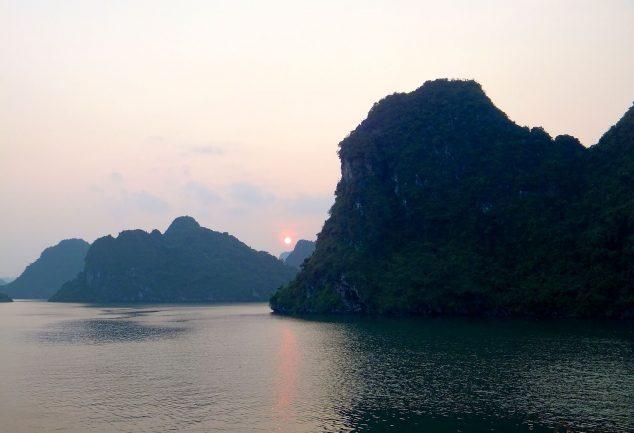 ha_long_bay_vietnam_048