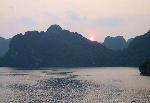 ha_long_bay_vietnam_050