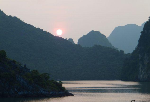 ha_long_bay_vietnam_053