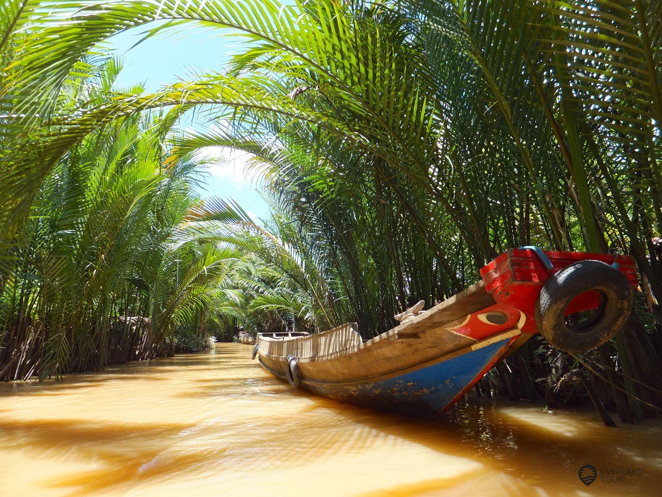 Auf einem Seitenarm des Mekong