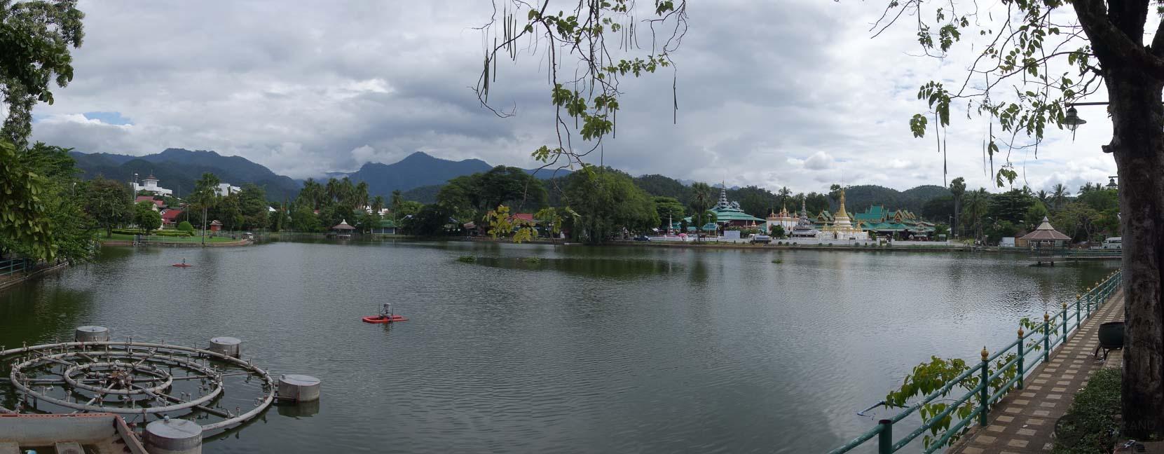Ein wunderschönes kleines Städtchin im Norden Thailands - Mae Hong Son und der Blick über den See
