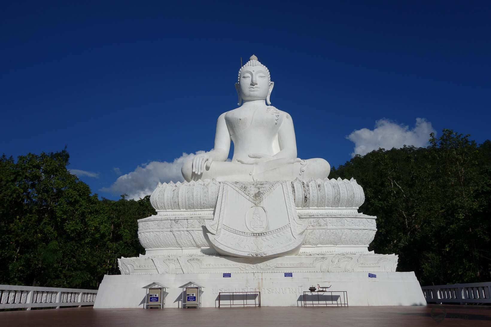 Big Buddha in Pai - Wat Phra That Mae Yen