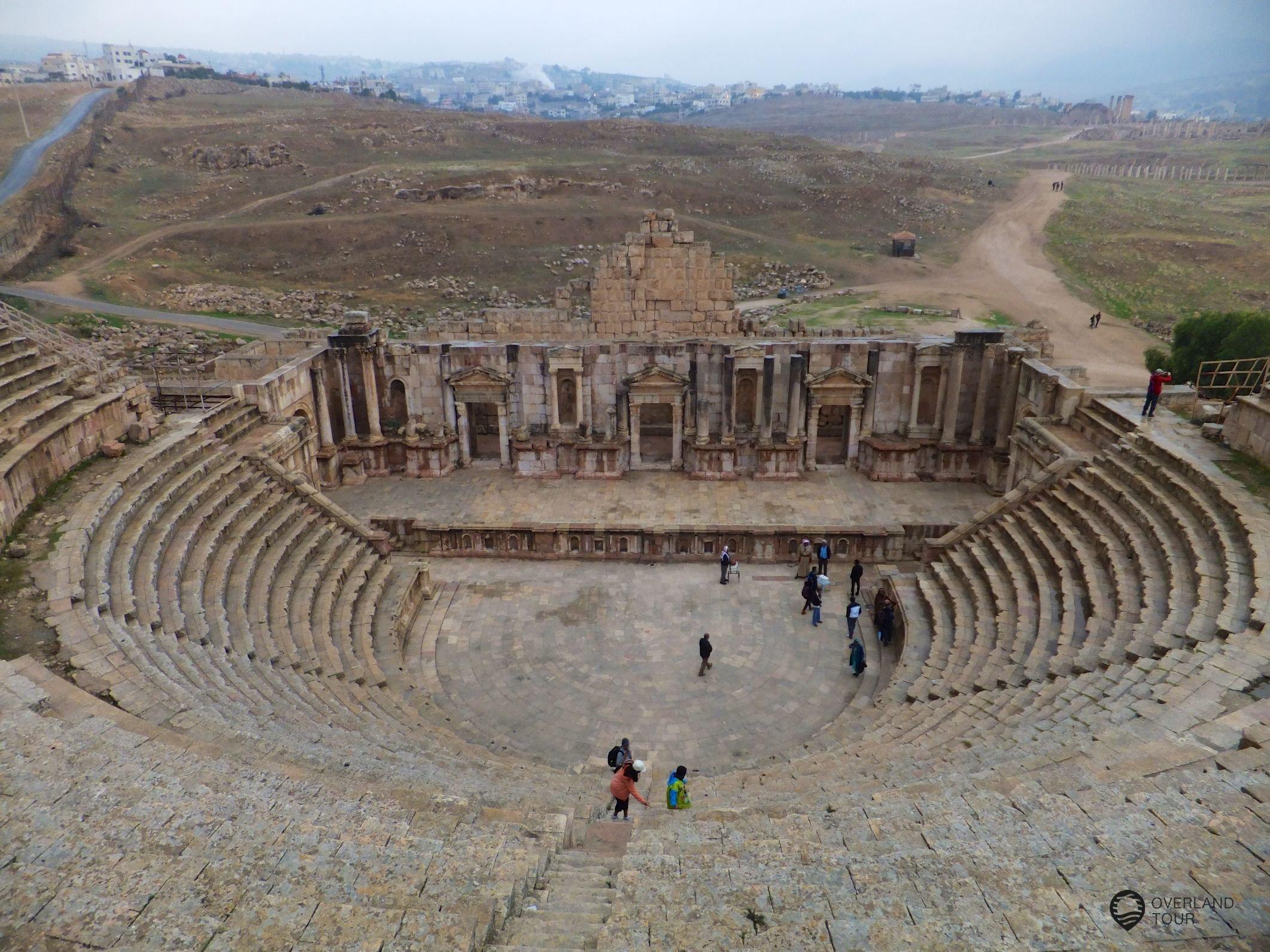 Der Ausblick von den obersten Rängen des Amphitheaters