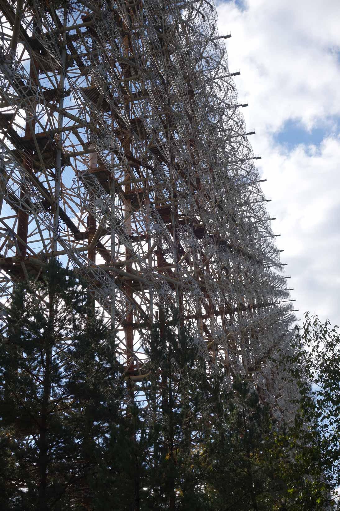 Raketenspähsystem Duga 1 (auch Tschernobyl-2 genannt) 150 Meter hoch und 750 Meter ln lang