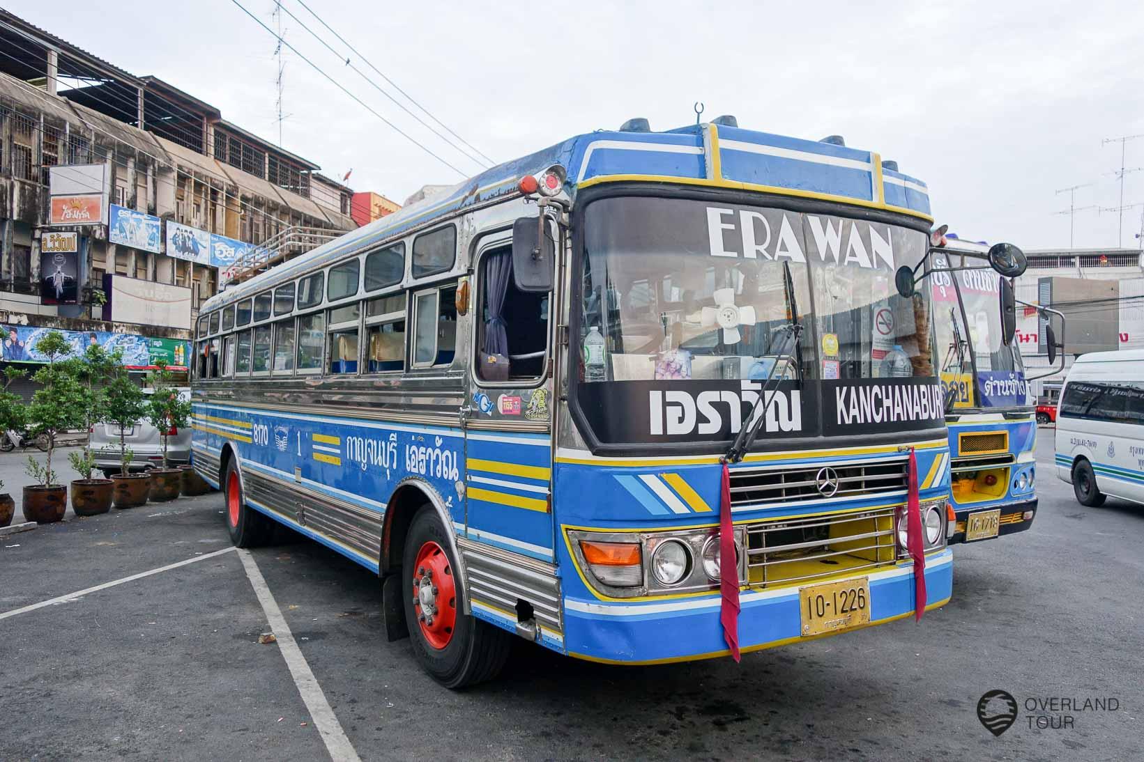 Busterminal in Kanchanaburi - Hier fährt auch der Bus zu den Erawan Wasserfällen ab