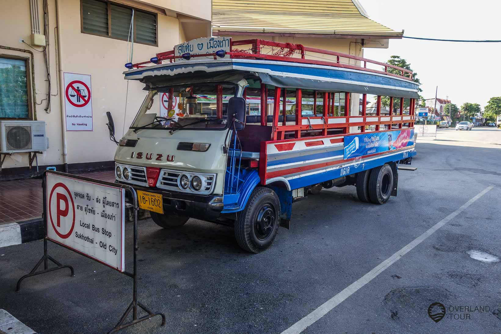 Local Bus von der Busstadtion Sukhothai zur Old City