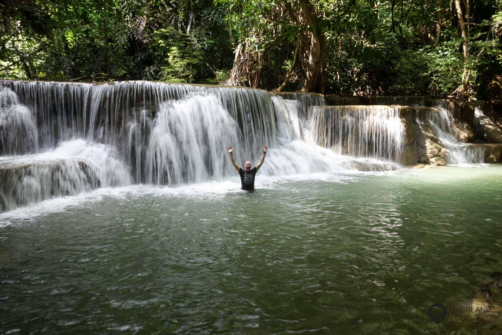 Es gibt mehrere Wasserfällen, in denen man baden kann
