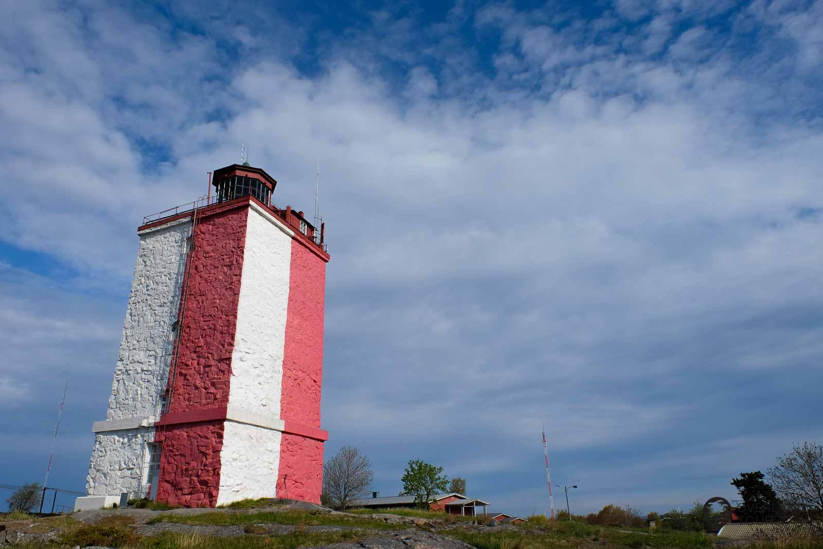 Utö mit seinem Leuchtturm ist die letzte Insel, die mit einer öffentlichen Fähre erreicht werden kann. Der Leuchtturm ist wunder schöne und die Ruhe dort draußen sagt dir, du bist am Ende der Welt