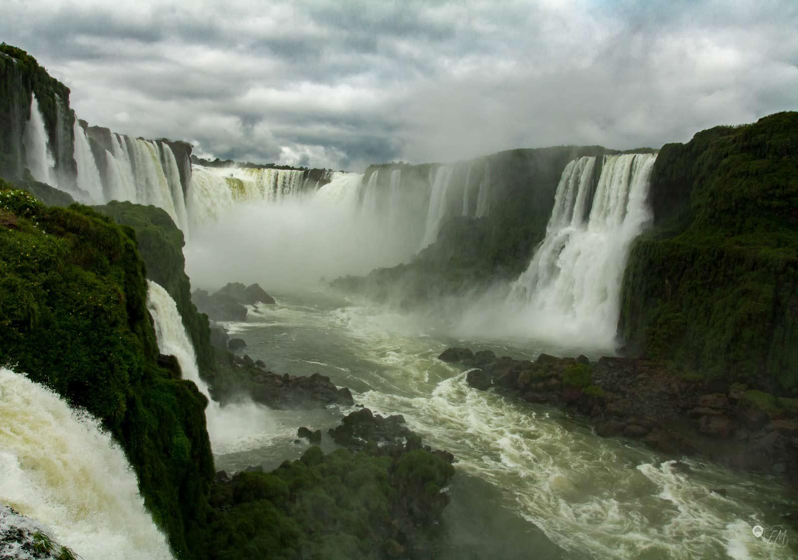 Der Blick auf den Teufelsschlund von der brasilianischen Seite