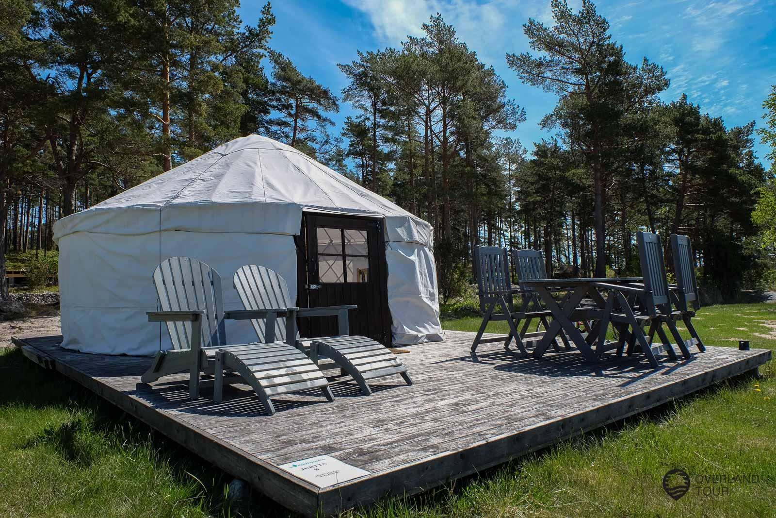 Die Lootholma Campsite in Kustavi ist sehr schön und die Yurten klasse. Die Sauna ist morgens und abends kostenlos zu benutzen und liegt direkt am Meer