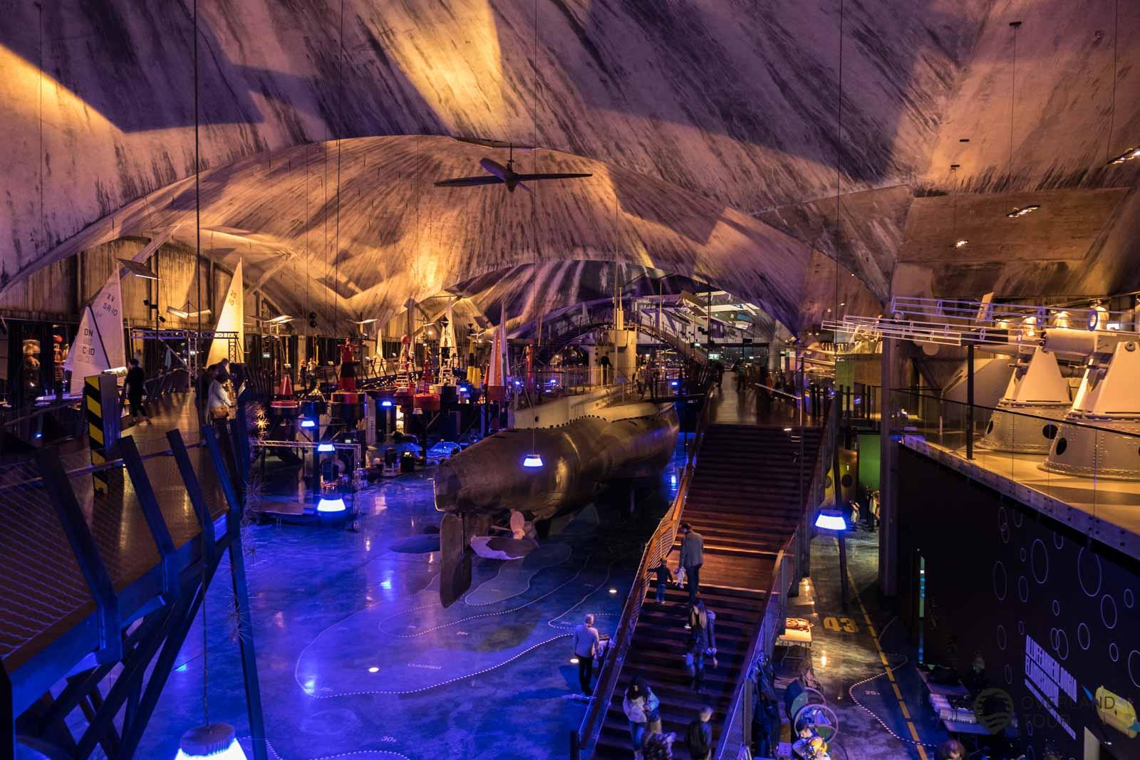 Das Lennusadam Seaplane Harbour Museum ist rießig samt U-Boot und Hubschrauber zum einsteigen
