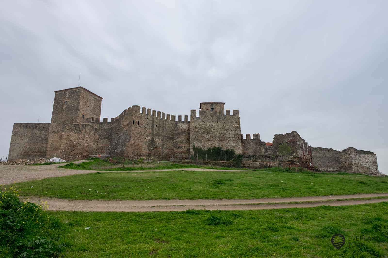 Die Burg Kástro
