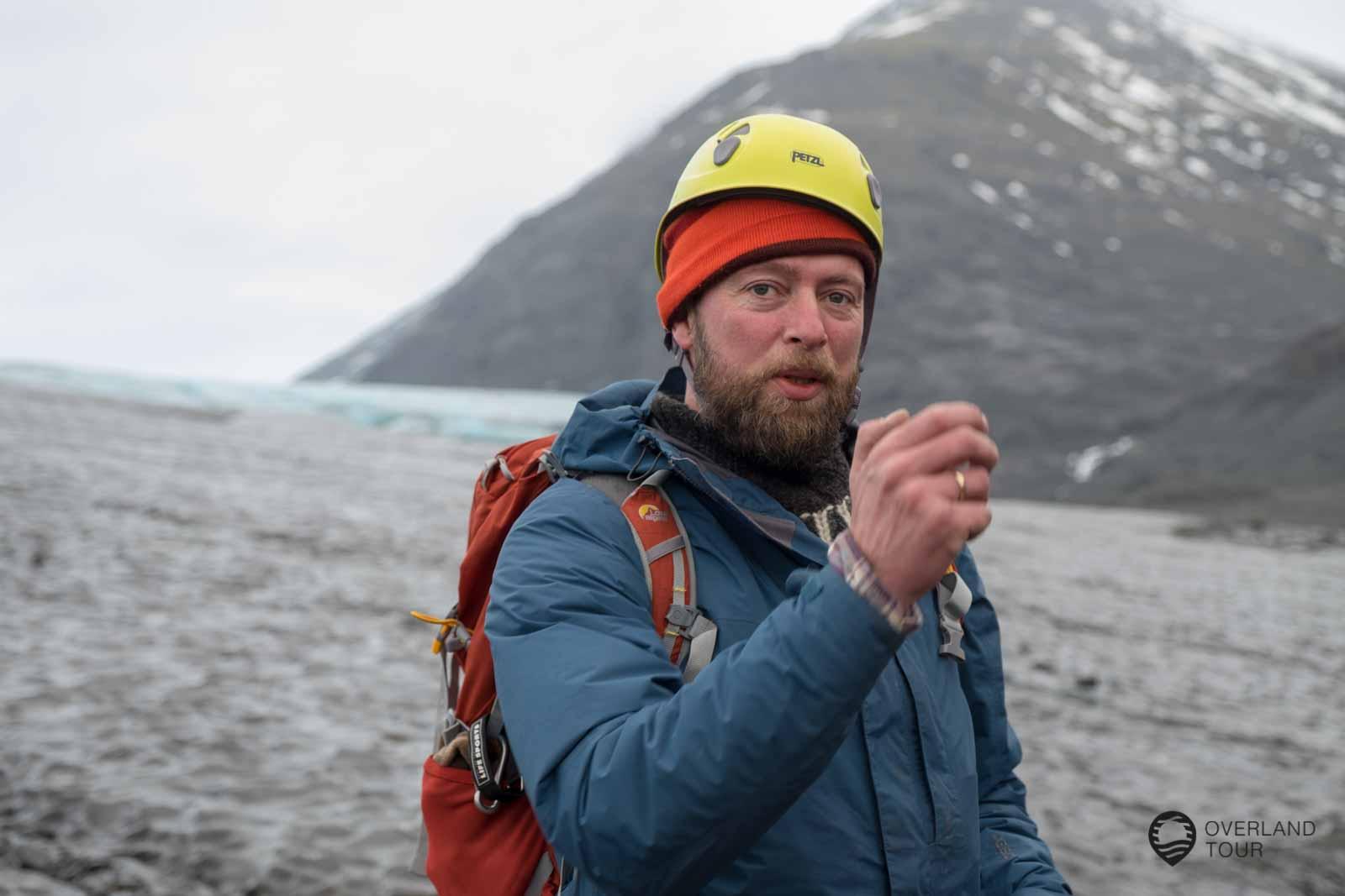 Eishöhlentour Island