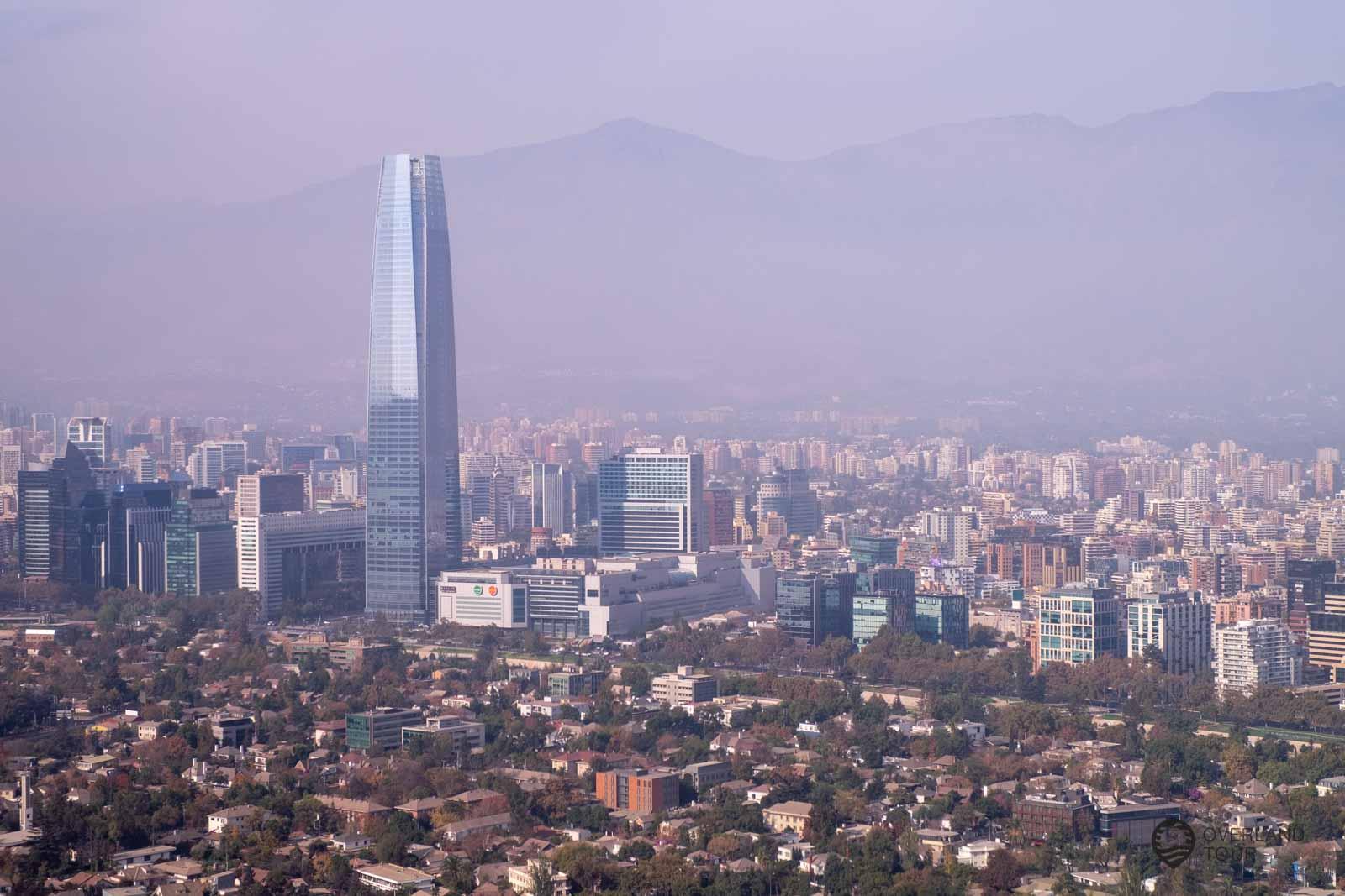 Mit der Seilbahn geht es wieder runter vom Cerro San CristóbalDer Gran Torre Santiago - Sky Costanera - 360° Santiago de Chile