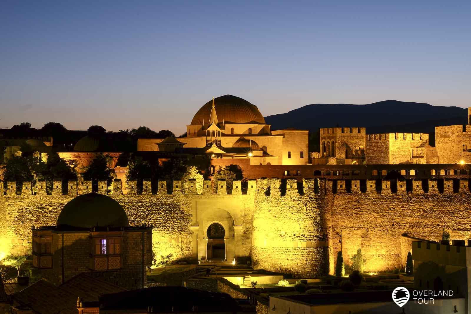 Die Festung Rabati zum Sonnenuntergang
