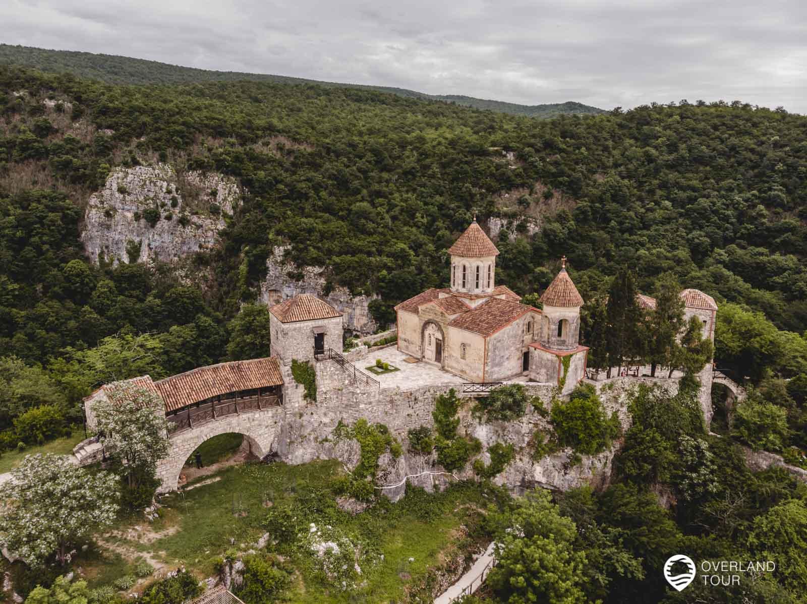 Das Motsameta Kloster bei Kutaissi