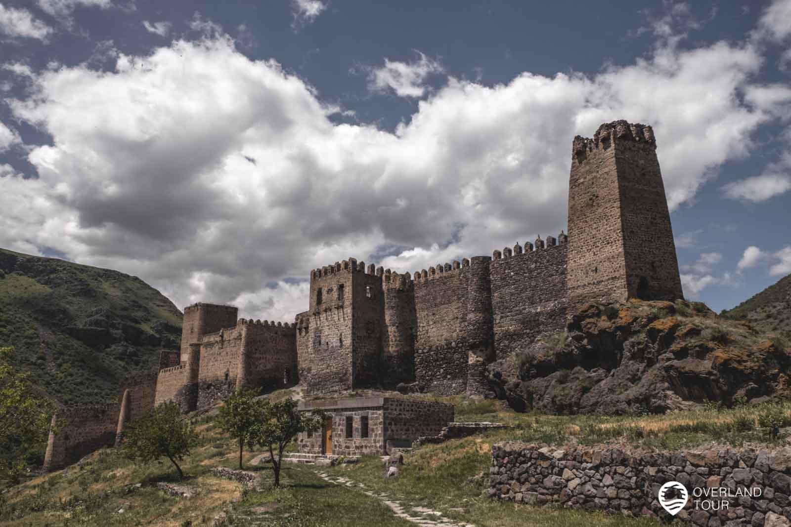 Die Festung Khertvisi liegt auf dem Weg nach Wardsia