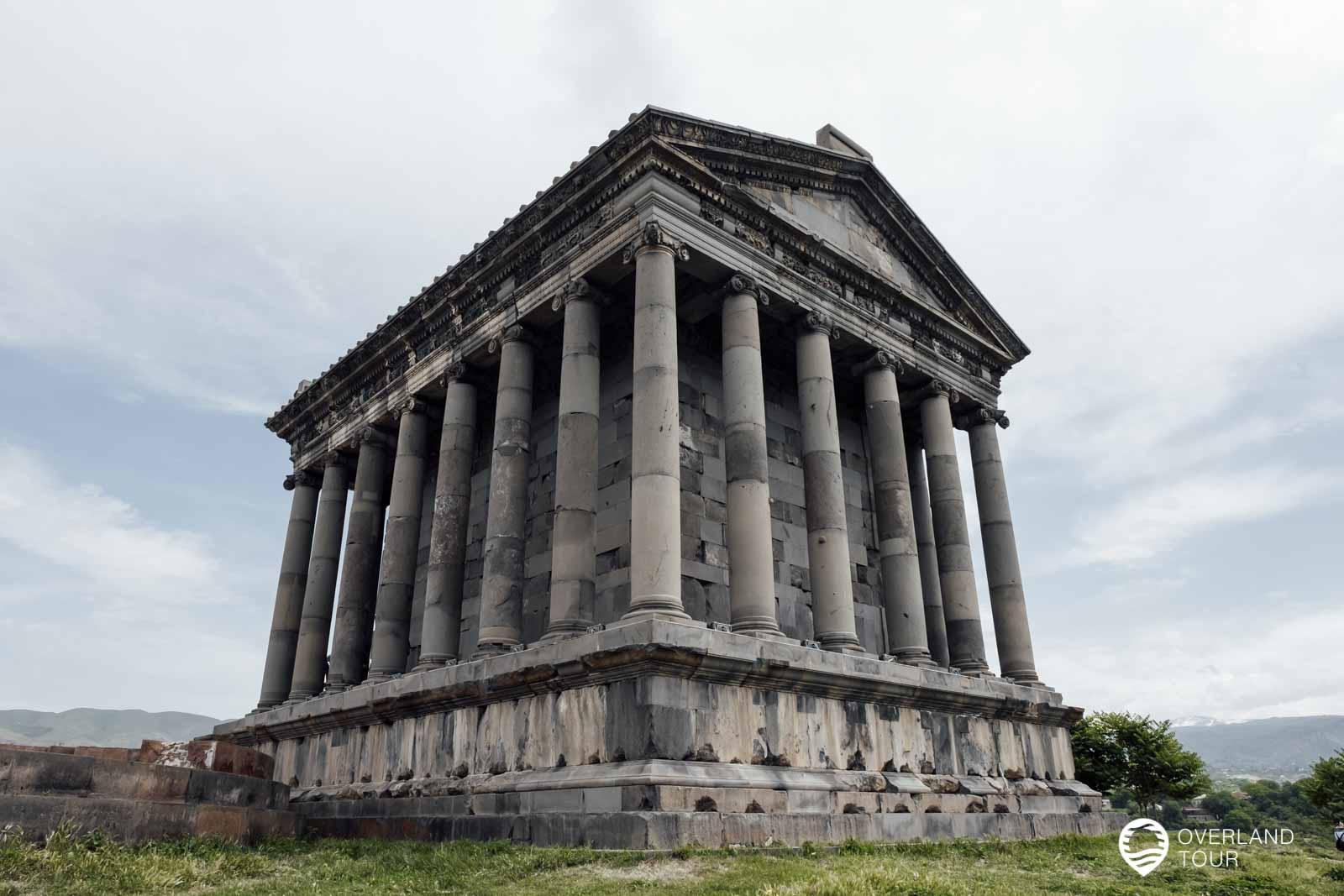 Der Garni Tempel war einst ein heidnischer Tempel, der dem armenischen Sonnengott Mihr gewidmet war