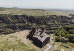 Die Saghmosavank Kirche von mit der Sicht auf die atemberaubende Schlucht Kasakh