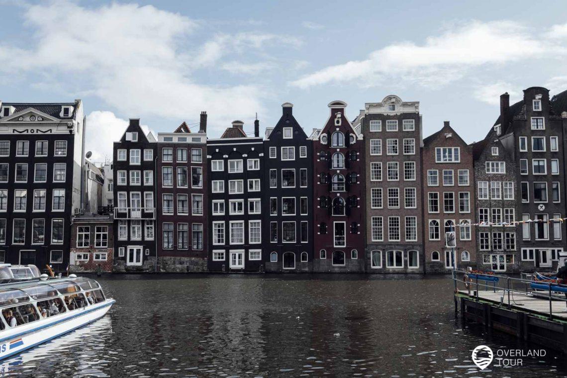 Die bunten Häuser an der Damrak oder die Instagram Lebkuchenhäuser