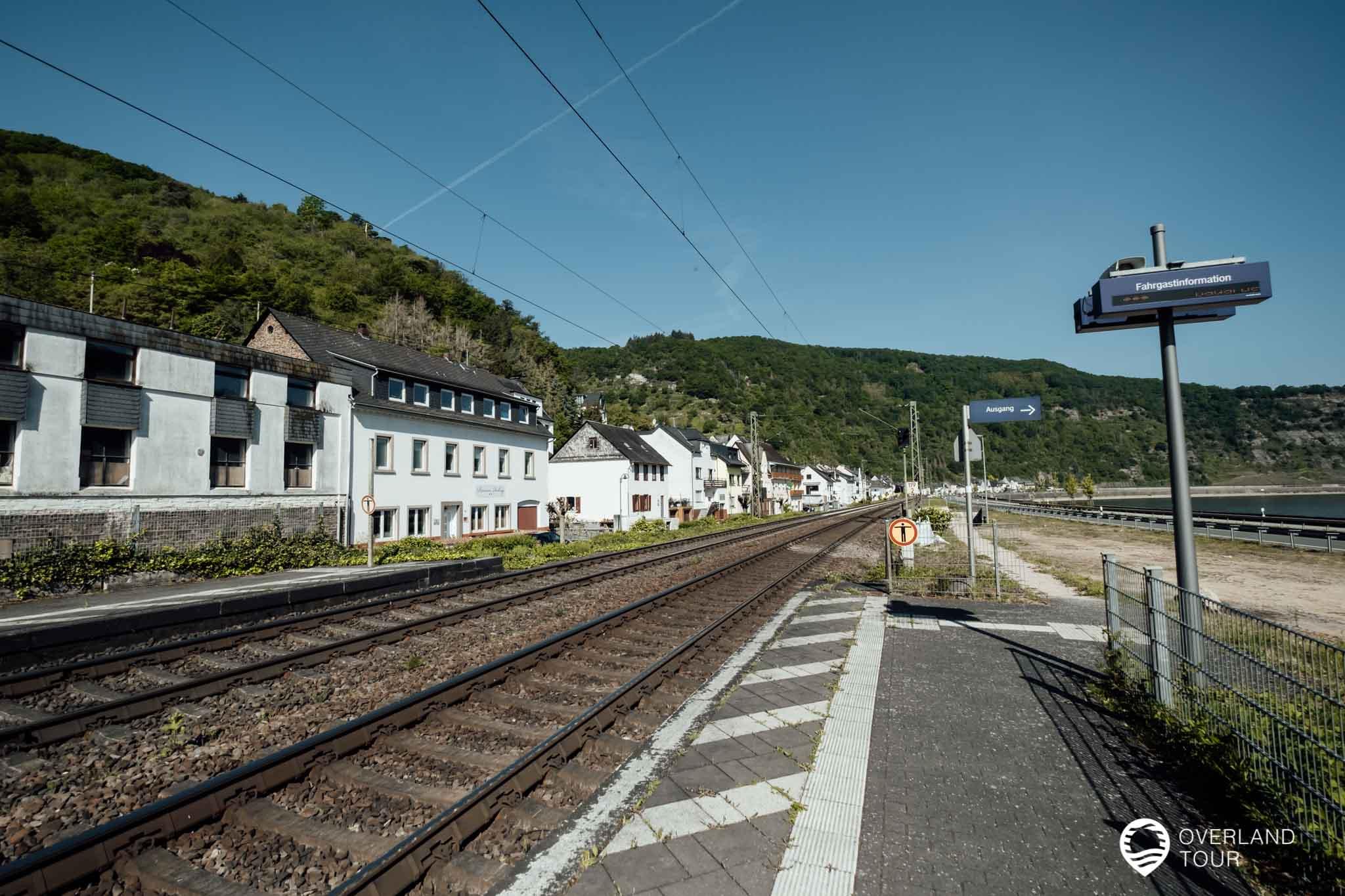 Der Bahnhof Hirzenach ist perfekt zum Start der Wanderung