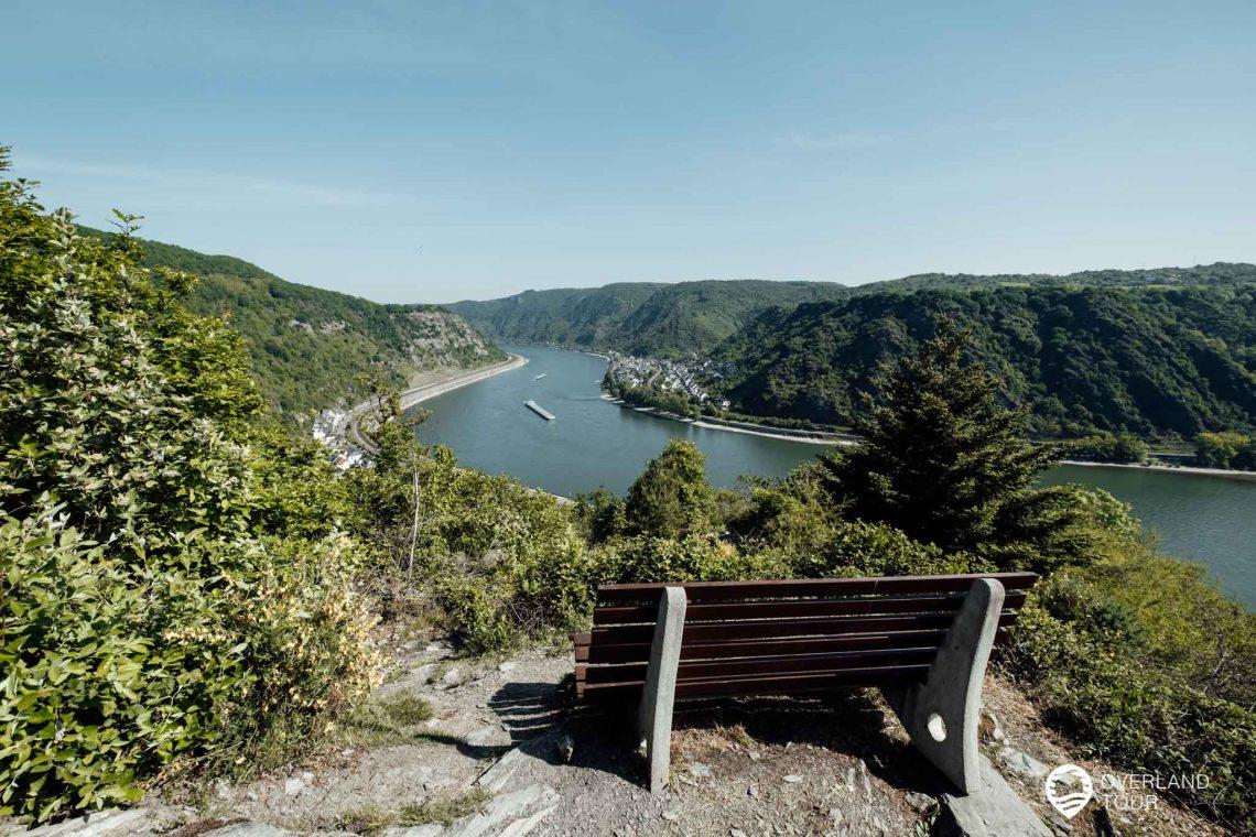 Traumschleife Rheingold Wanderung: Ein wundervoller Blick auf den Rhein beim wandern