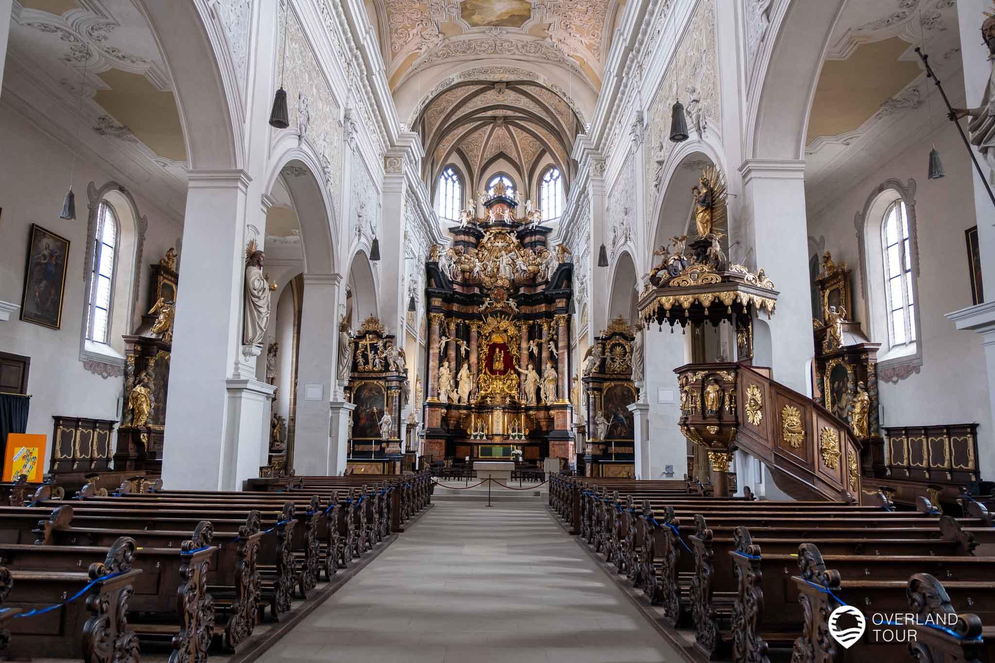 Die Obere Pfarre - Außen Gotik, innen Barock
