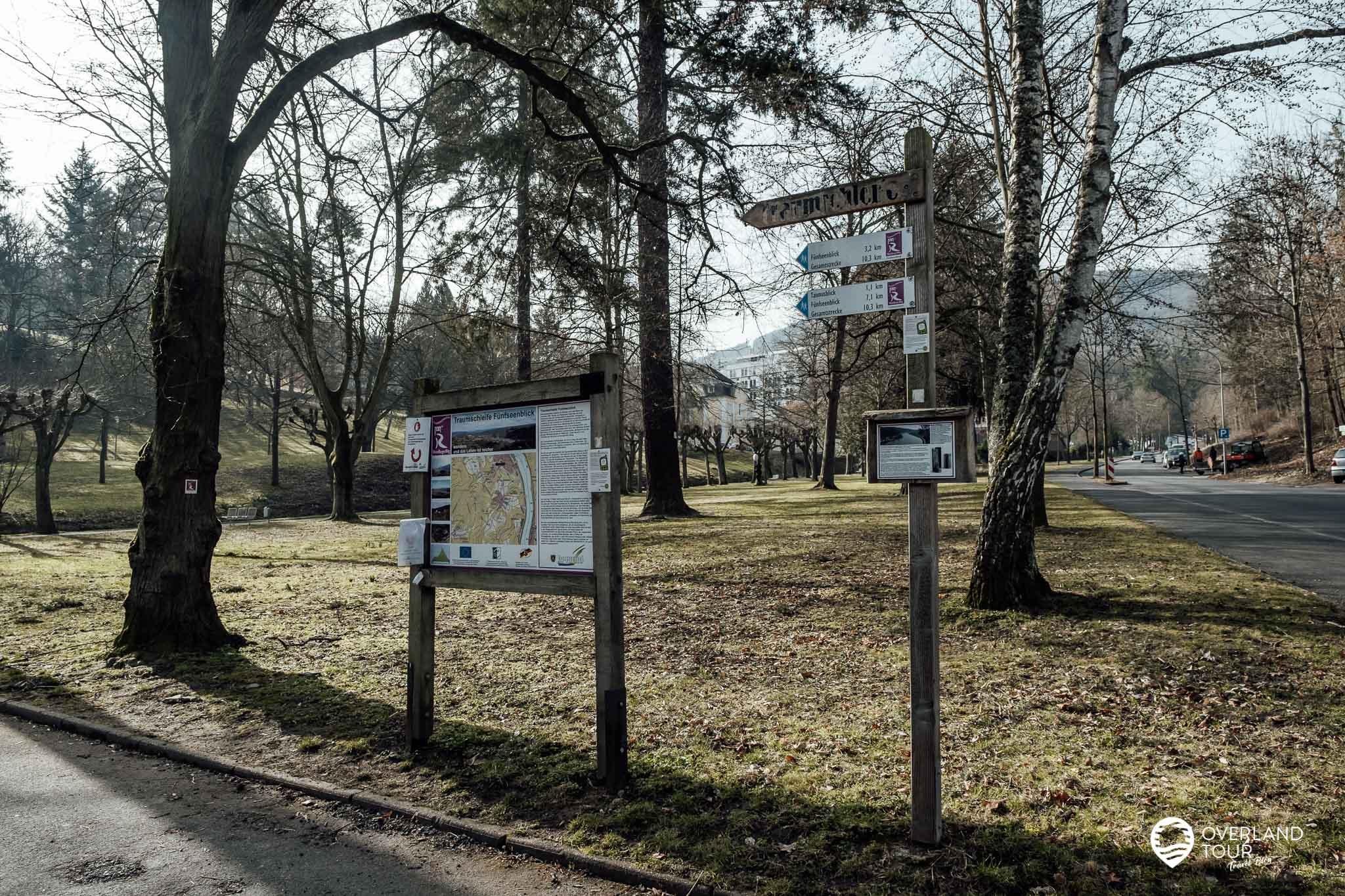 Wanderung Traumschleife Fünfseenblick: Start des Wanderweges im Kurpark Bad Salzig