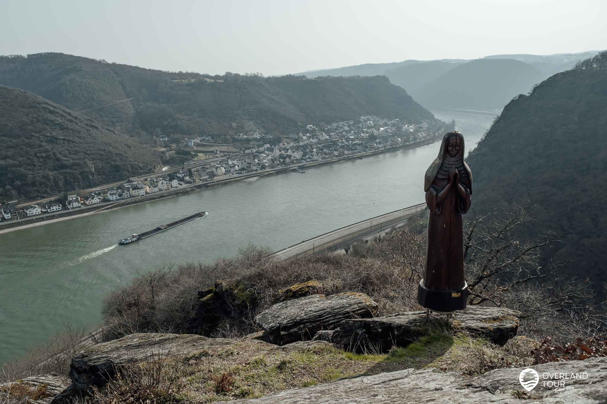 Wanderung Traumschleife Fünfseenblick: Der Aussichtspunkt Betende Nonne bei Kilometer 3