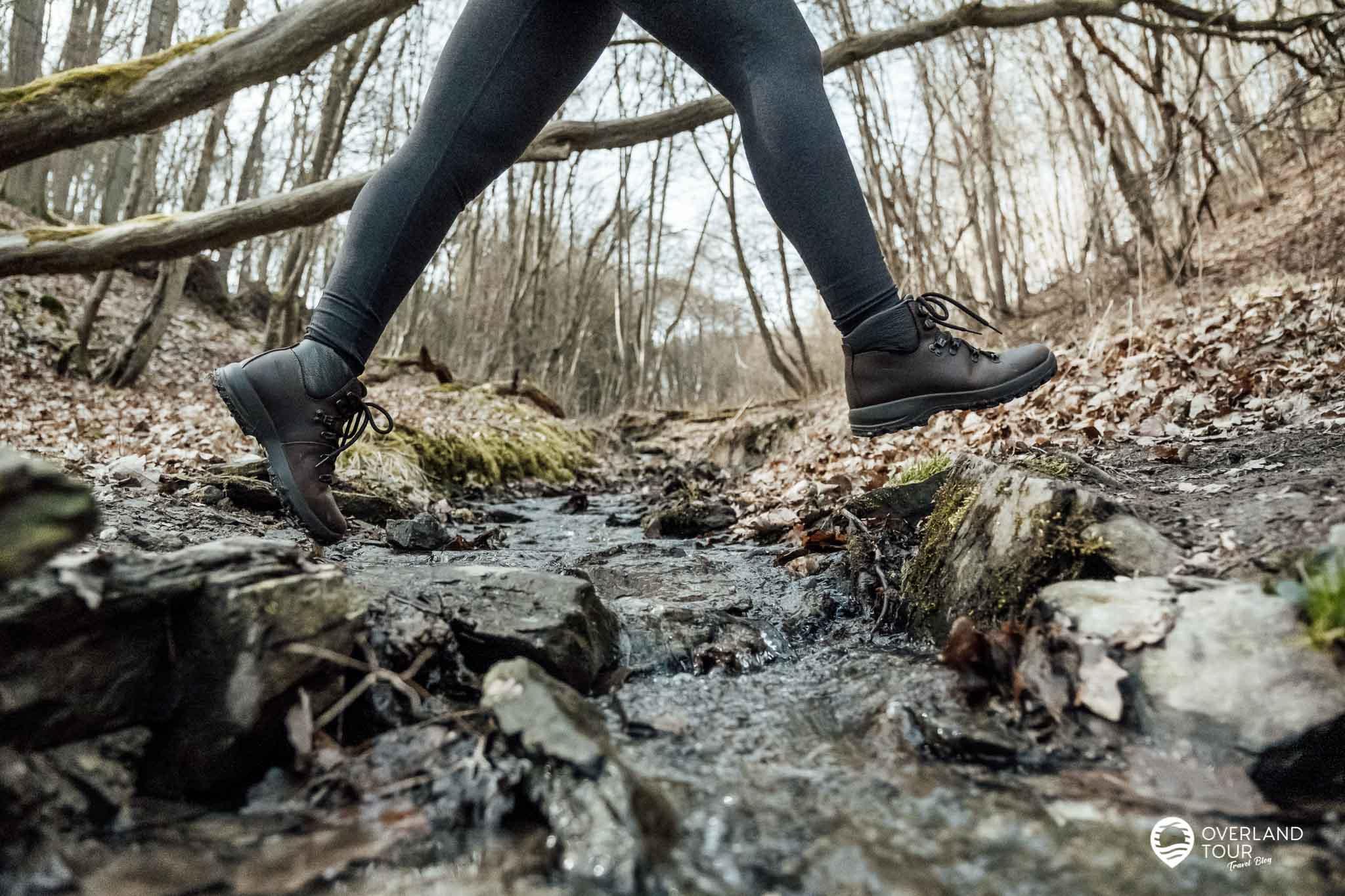 Wanderung Traumschleife Fünfseenblick: Die kleinen Bachquerungen im Weilerbach Tal